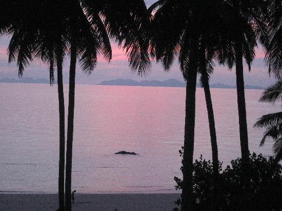 Ko Jum, Thaïlande : Sonnenuntergang vom Balkon aus