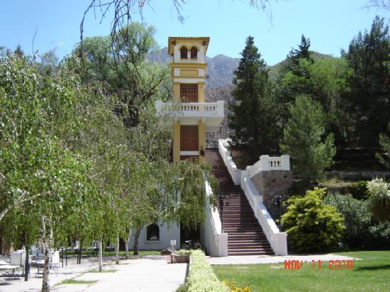 Hotel & Spa Termas Cacheuta: Entrada Antigua