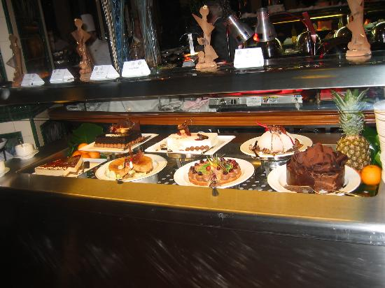 Hilton Malta: dessert buffet