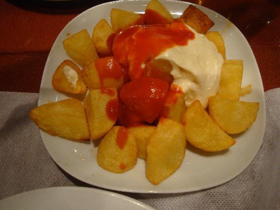 Sagarra : patatas bravas