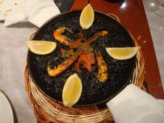 Sagarra : la paella nera