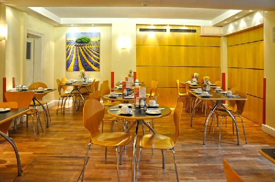 Reem Hotel: Breakfast room