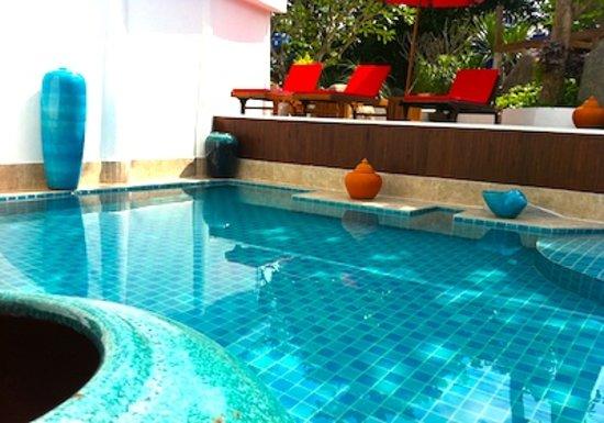 Aminjirah Resort: Main Pool Area