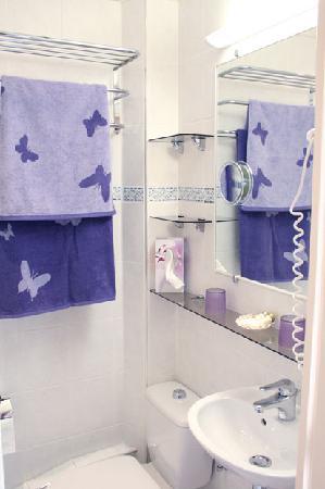 Hotel des Allees: Bathroom