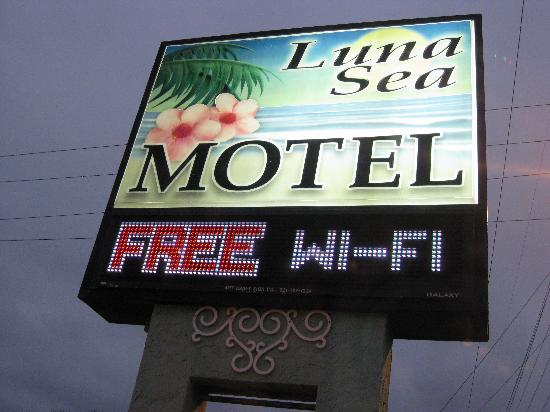 Econo Lodge: Luna Sea Motel, Cocoa Beach FL