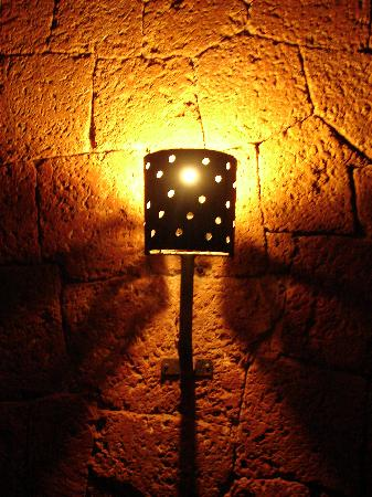 Raman Cottages: Lamps