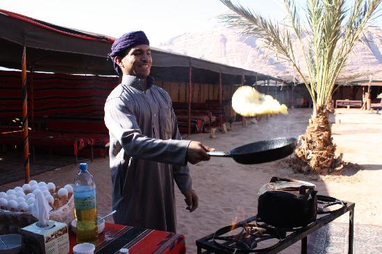Captain's Desert Camp : Breakfast