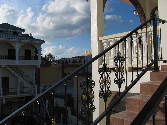 Hotel de la Fuente : view from hotel steps