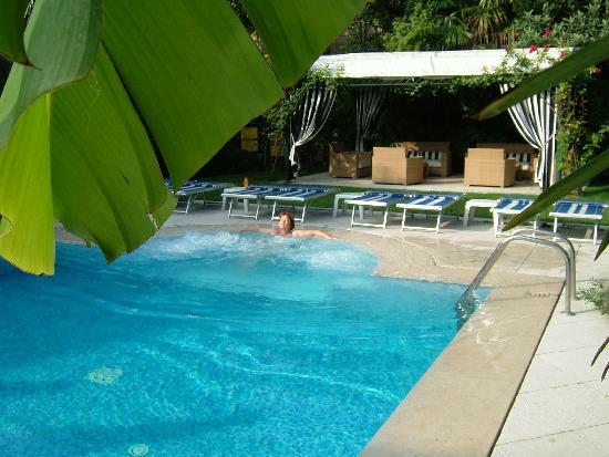 Hotel 4 Stagioni: Pool,zum Genießen der Ruhe