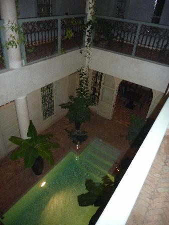 Riad O: patio + pool