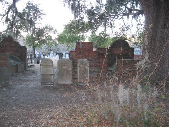 Colonial Park Cemetery: cemetery