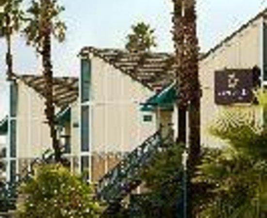 Travelodge Fairfield/Napa Valley: Napa Valley Loft Hotel Thumbnail