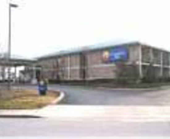 Rodeway Inn: Comfort Inn Thumbnail