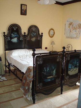 County House Il Roseto: ...la nostra camera ....