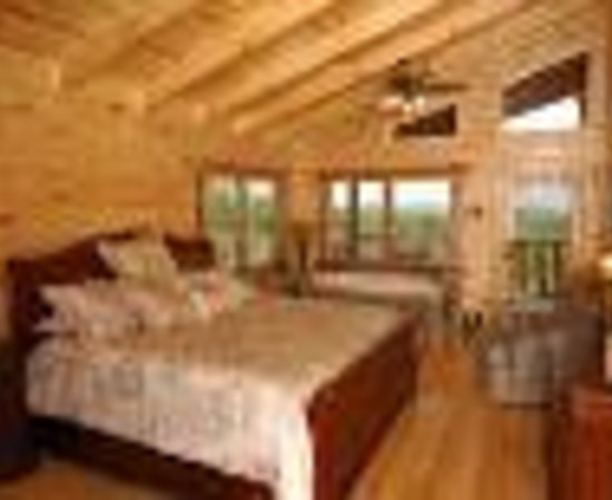 Smoky Cove Chalet and Cabin Rentals Thumbnail