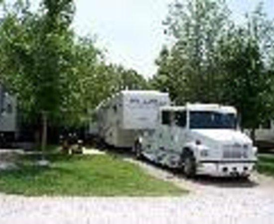 Acorn Acres - Branson Tree House Adventures: Acorn Acres RV Park & Villas Thumbnail