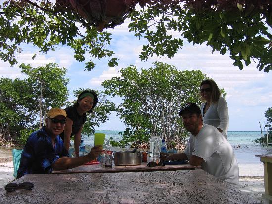 Pelican Reef Villas Resort : Snorkling/Picnic Excursion
