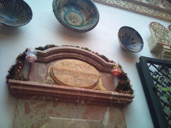 Taberna Salinas: Parte de la decoración interna