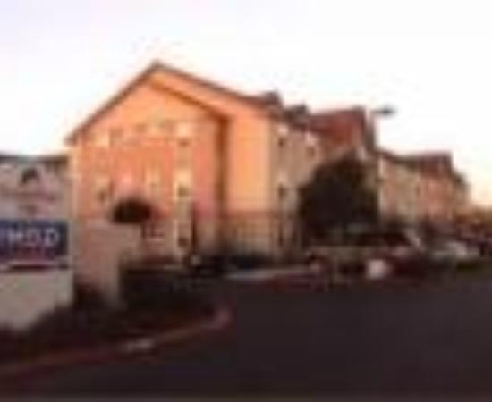 TownePlace Suites Fresno Thumbnail