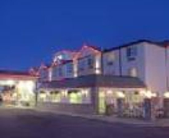 Best Western Plus Peppertree Airport Inn Thumbnail