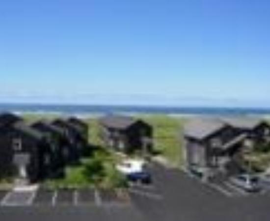 Lighthouse Oceanfront Resort Thumbnail