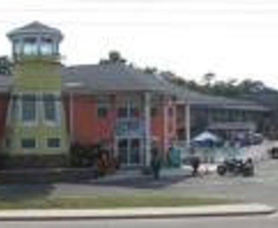 漂流者屋頂汽車旅館照片