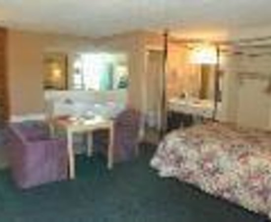 Motel 6 Pigeon Forge - Dollywood Lane: Briarstone Inn Thumbnail