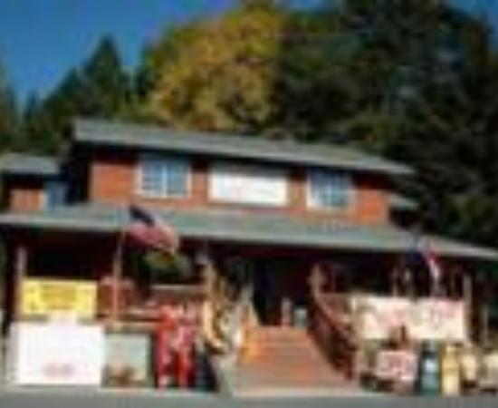 Wind Mountain RV Park and Lodge: Wind Mountain Resort and MiniMart Thumbnail