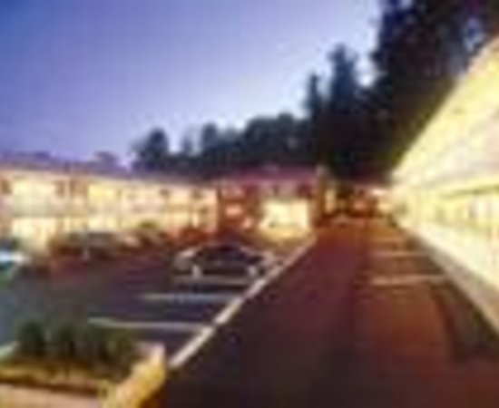 Americas Best Value Inn & Suites Lake George: Americas Best Value Inn Lake George Thumbnail