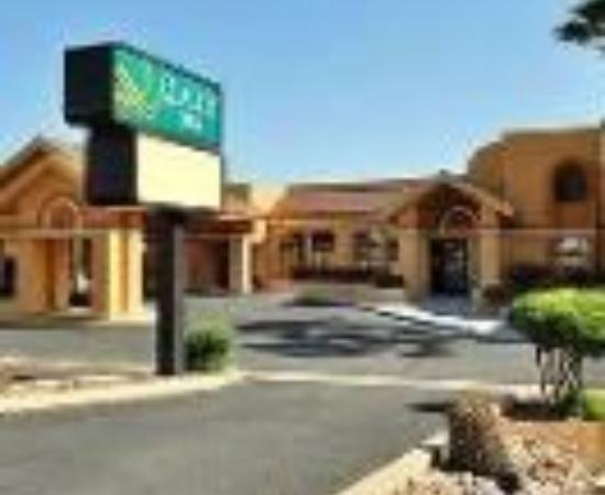 BEST WESTERN Green Valley Inn: Quality Inn Thumbnail