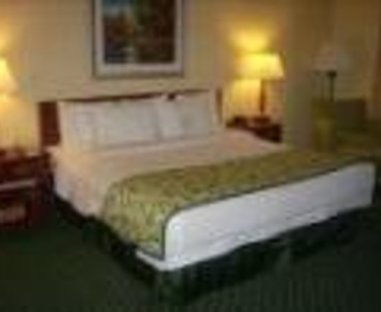 Fairfield Inn & Suites Dallas DFW Airport North / Grapevine Thumbnail