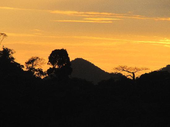 Belcampo Lodge: evening sunset