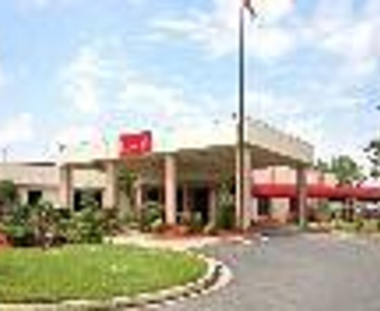 Ramada Louisville North: Ramada Downtown North Thumbnail