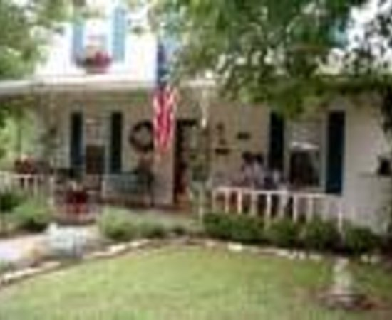 Corner Cottage B&B: Corner Cottage Bed and Breakfast Thumbnail