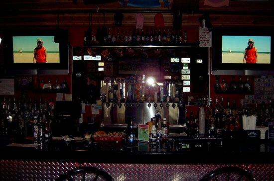Boneyard Barbecue Saloon: Bar