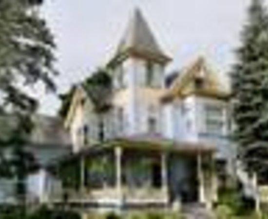 Henniker House 사진