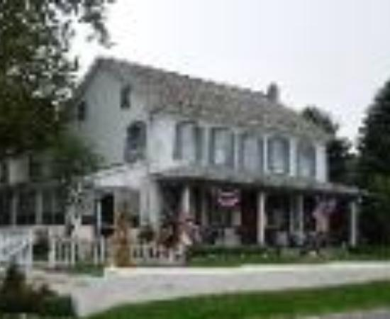 1825 Inn Bed and Breakfast: 1825 Inn Bed & Breakfast Thumbnail