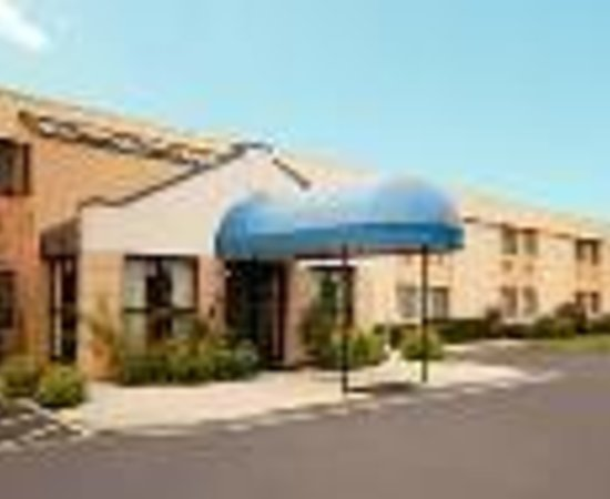 All Seasons Inn & Suites: Quality Inn Smithfield Thumbnail