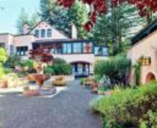 Applewood Inn Thumbnail