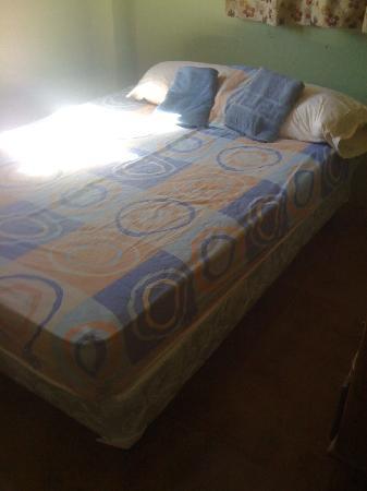La Terraza Condominiums: crappy bed