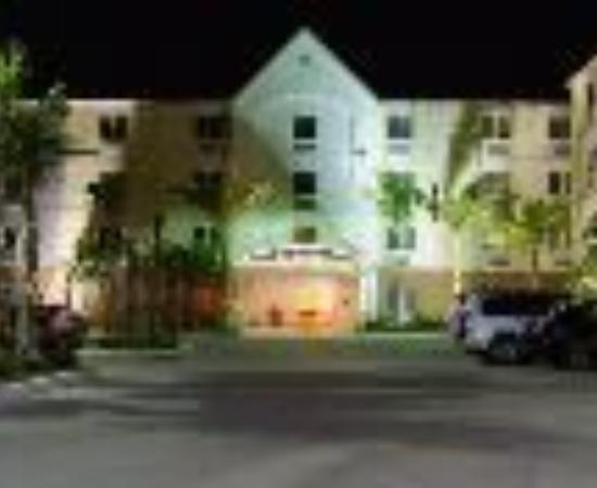 Candlewood Suites Fort Myers Sanibel / Gateway Thumbnail