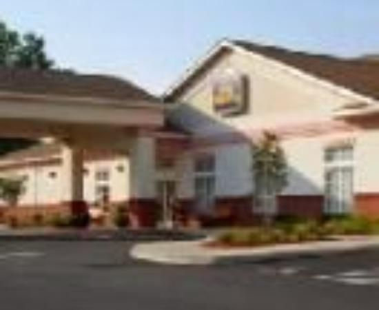 BEST WESTERN PLUS Crossroads Inn & Suites: Best Western Crossroads Inn & Suites Thumbnail