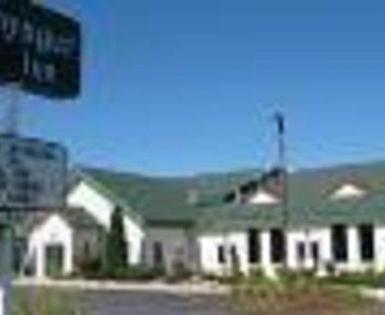Voyager Inn of Saint Ignace Thumbnail