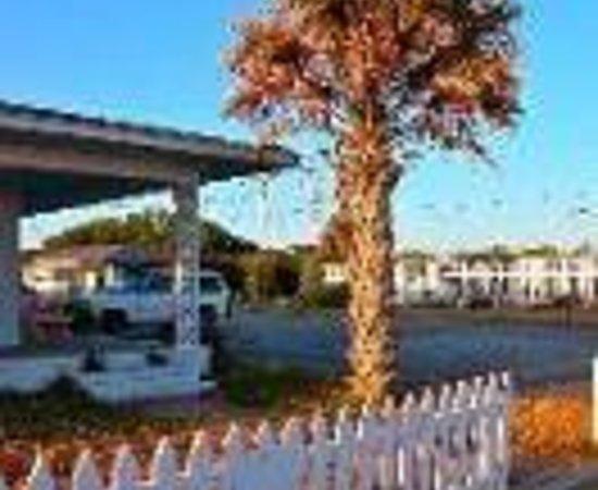 Falcon Motel: The Croatoan Inn Thumbnail