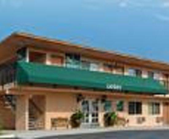 ... Oceanside: Quality Inn & Suites I-5 Near Camp Pendleton Thumbnail