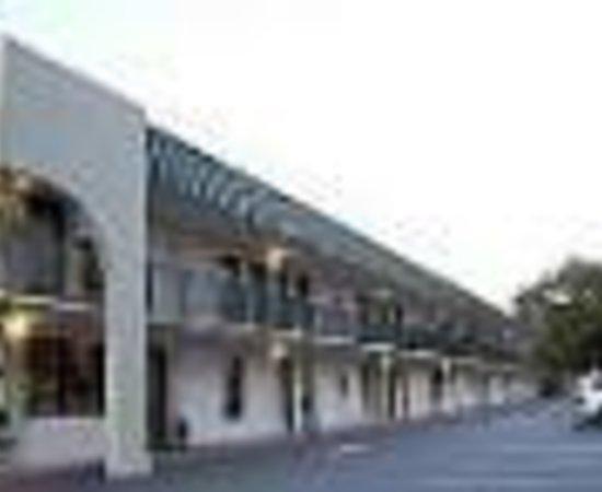 Quality Inn Savannah Historic District: Quality Inn Heart of Savannah Thumbnail