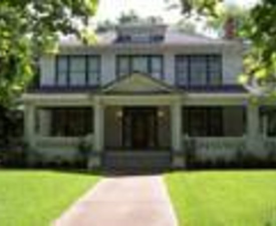 Crockett, TX: The Smith House Bed And Breakfast Thumbnail