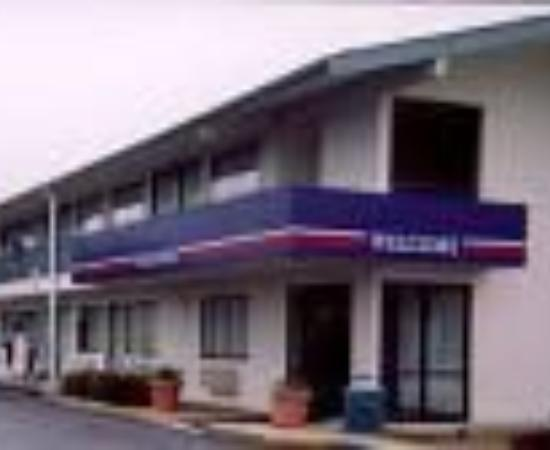 Motel 6 Greenville Thumbnail