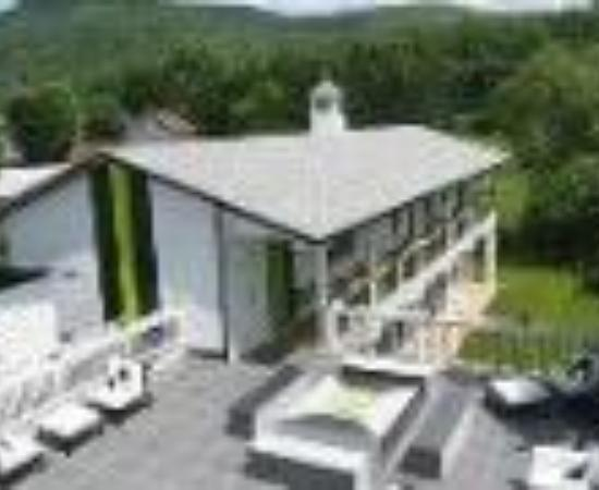 The Roxbury, Contemporary Catskill Lodging Thumbnail