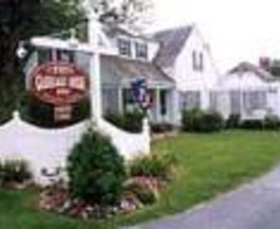 Carriage House Inn Thumbnail